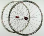 28 Zoll Novatec Carbon/Alu Rennrad Laufradsatz rot / Mach1 VIA32 / DT Competition 1710 g