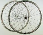 28 Zoll Novatec Carbon/Alu Rennrad Laufradsatz weiß / Mach1 VIA32 / DT Competition 1710 g
