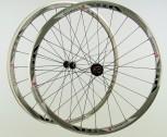 28 Zoll Novatec Carbon/Alu Rennrad Laufradsatz schwarz / Mach1 VIA32 / DT Competition 1710 g